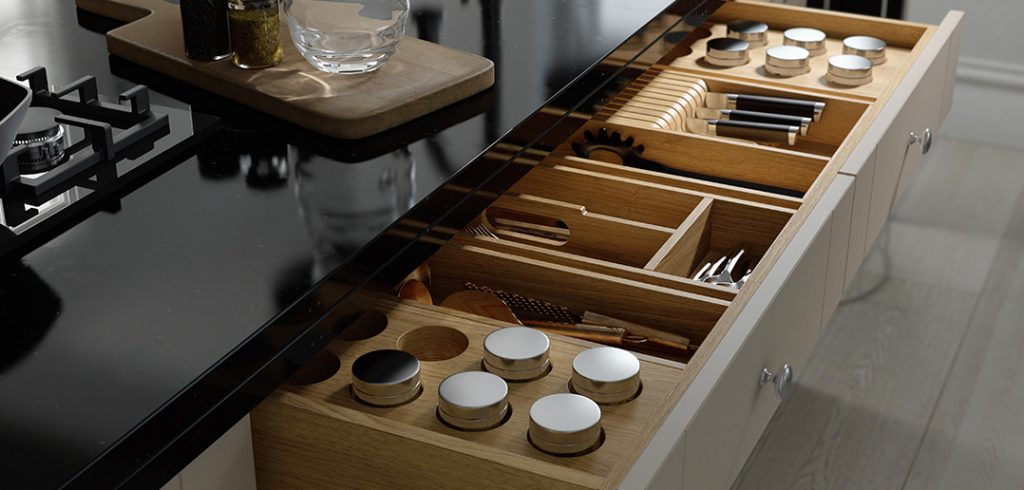 Tidy Kitchen with Drawer Dividers