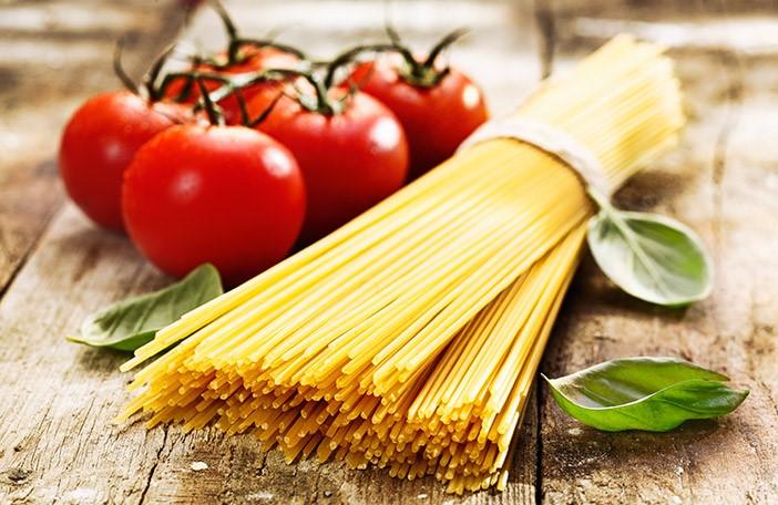 Ingredients for Vegan Tomato Spaghetti