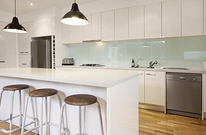 Stylish Modern Handleless Kitchen With Island