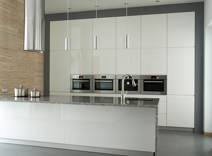 Sleek Handleless Modern White Kitchen