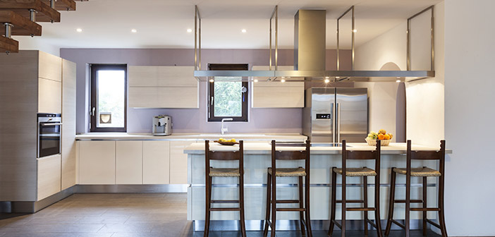 Modern Kitchen Breakfast Bar Seating Area