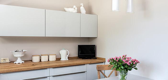White Handleless Kitchen Wood Worktop