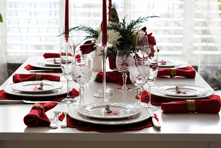 Elegant Nordic Themed Christmas Dinner Table