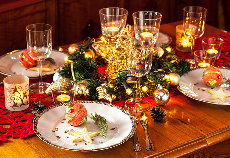 Traditional Christmas Dinner Table Red And Gold