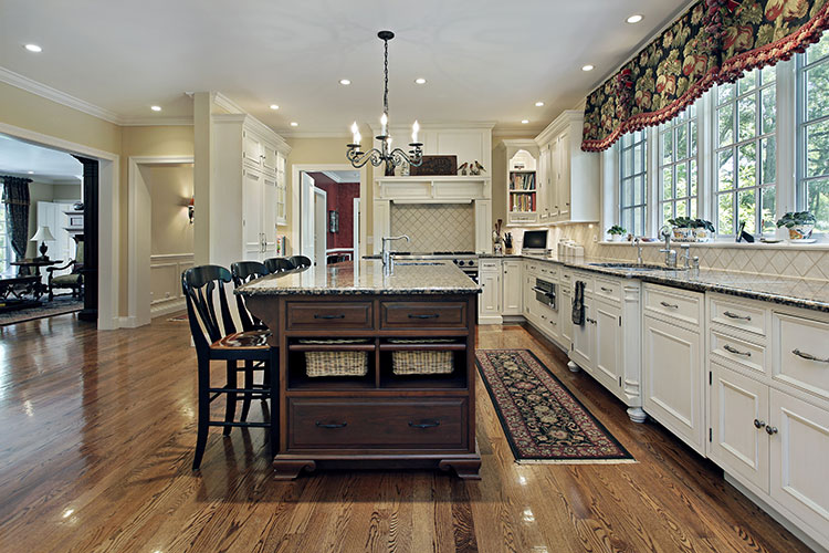 Traditional Styled Kitchen With Island And Seating