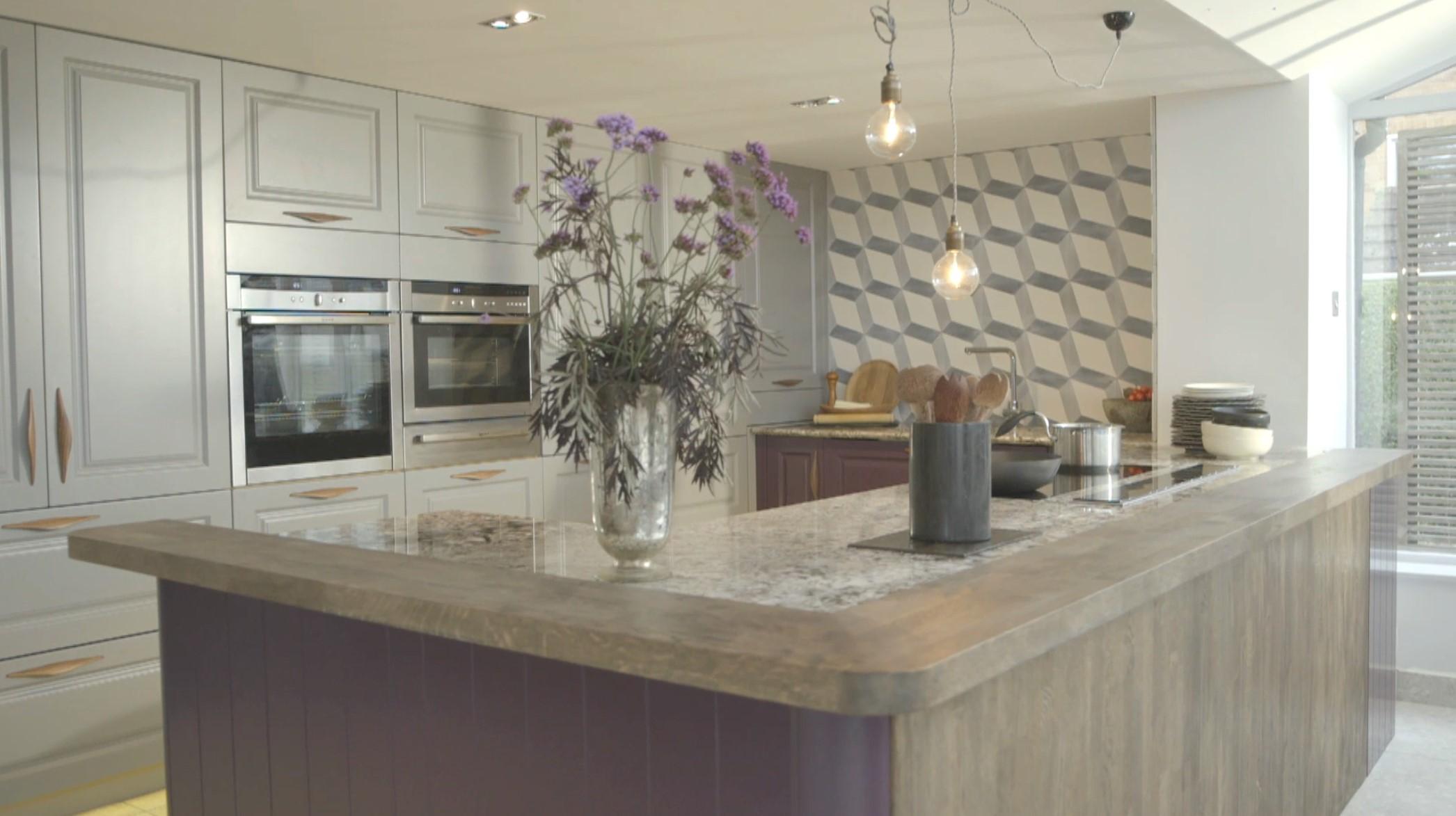 Great Linda Barker's new Wren kitchen 2092 x 1173 · 273 kB · jpeg