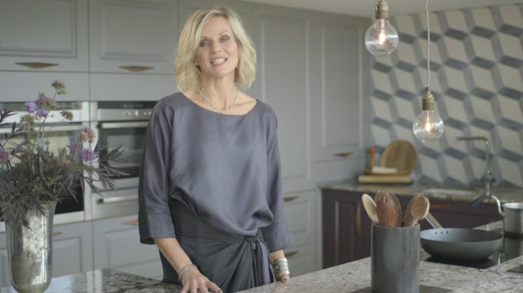 Linda Barker In Her Beautiful Grey Marble Wren Kitchen