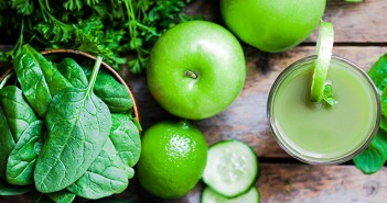 Super Healthy Green Smoothie and Ingredients
