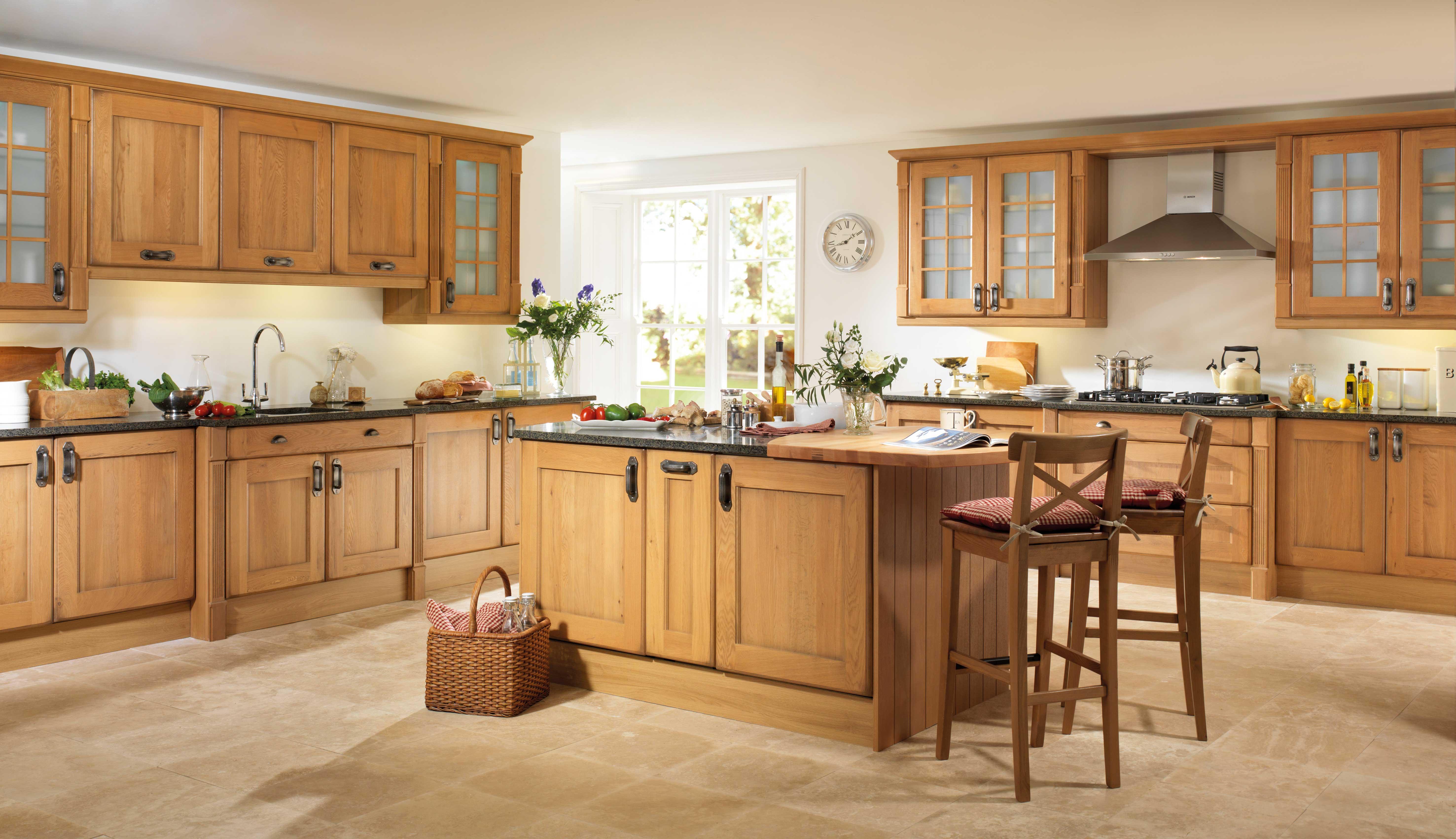 Country Style Light Oak Wren Kitchen