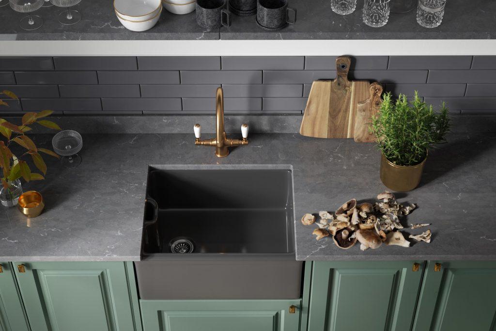 Black Belfast Sink and Brass Tap