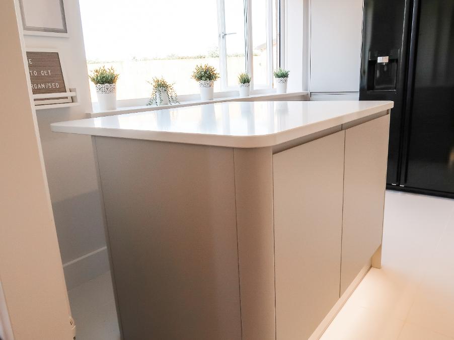 clean_kitchen_surface