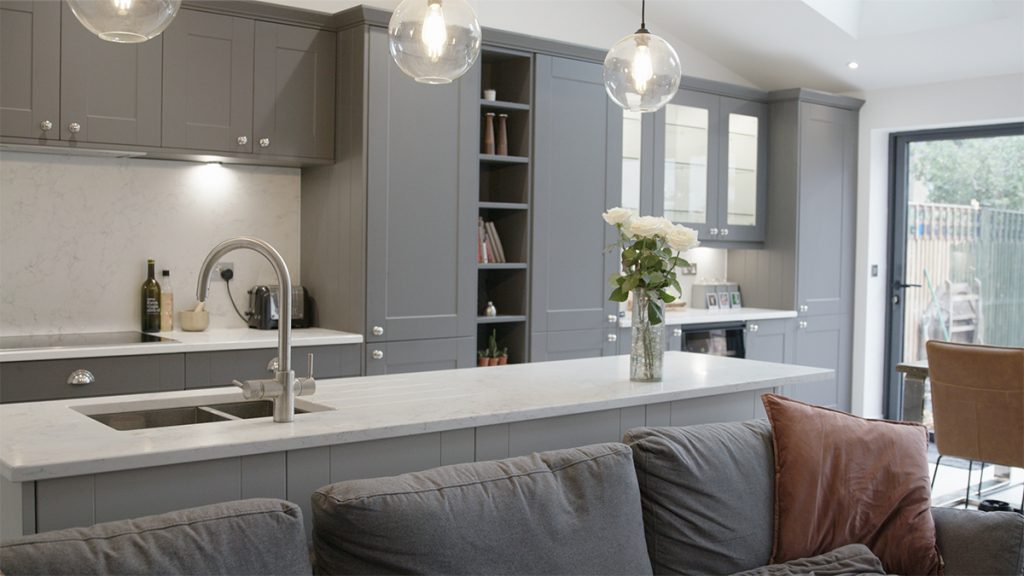 Shaker ermine kitchen with integrated shelving